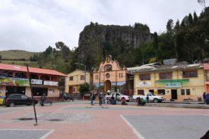 Place principale de Salinas