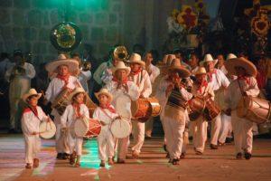 Groupe de musicien a la Guelaguetza