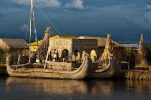 bateau de roseaux