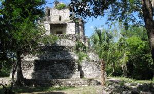 Ruines mayas dans la réserve naturelle Sian Ka'an au Yucatán au Mexique