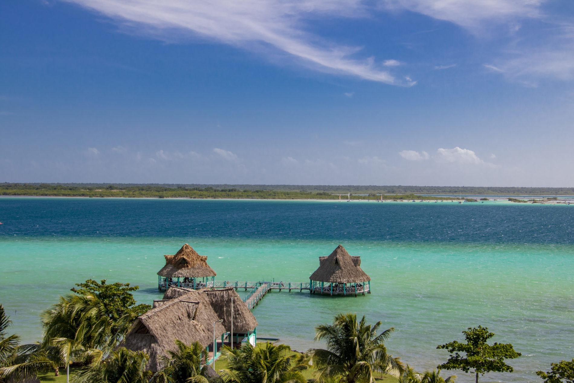 ponton-cabanes-lagune-bacalar-yucatan