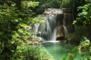 cascade-jungle-roberto-barrios-mexique