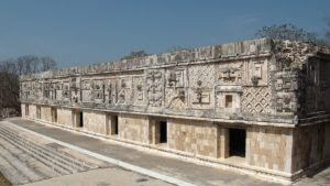 ruines-maya-uxmal-au-yucatan