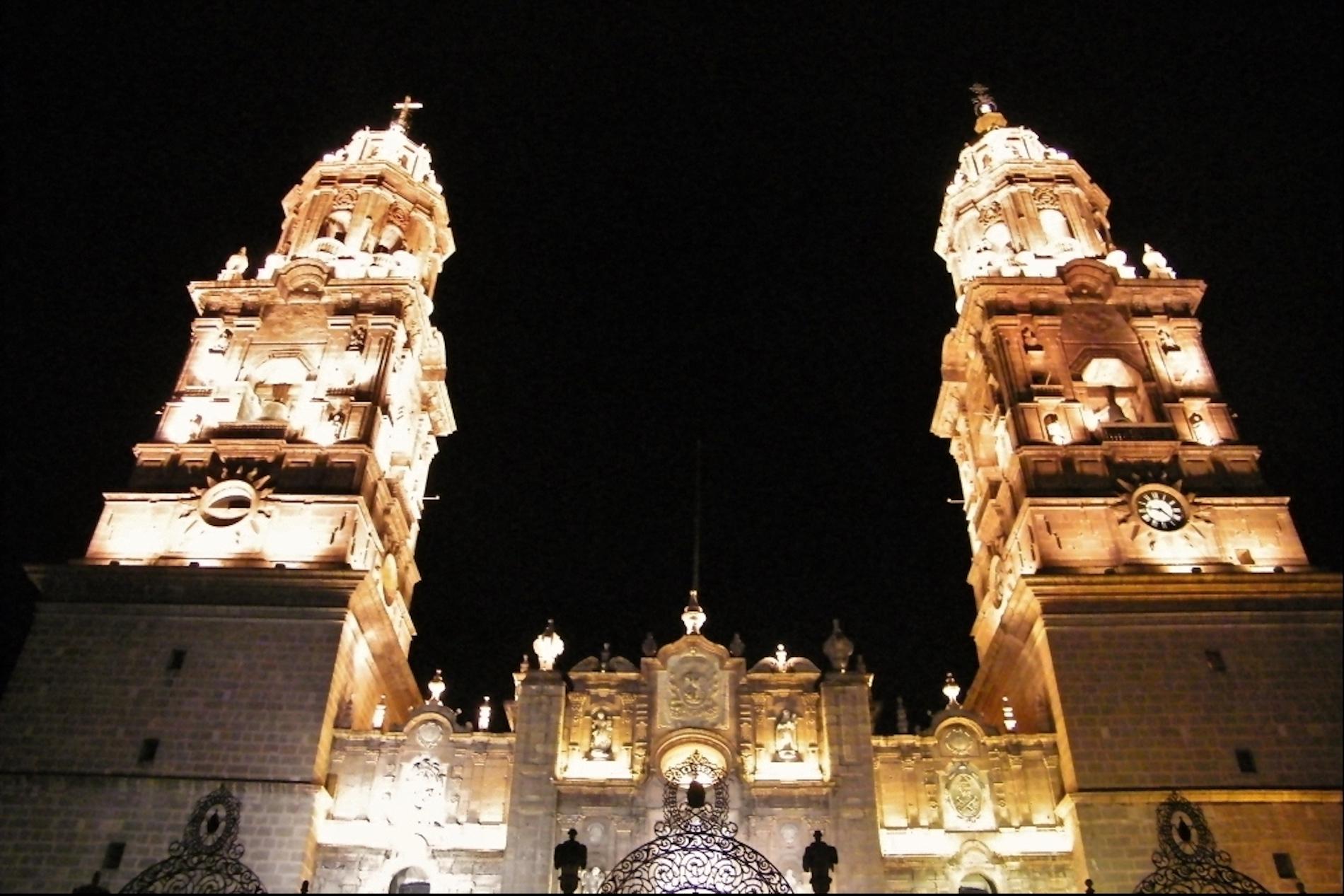 temple-santo-domingo-nuit
