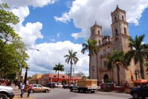 église-centre-ville-valladolid-15-jours-au-yucatan