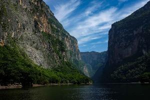 canyon-sumidero-chiapas-rivière-montagne