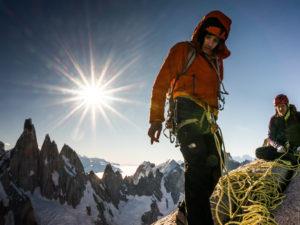 Alex Honnold et Tommy Caldwell au sommet du Fitz Roy Massif après avoir grimper.