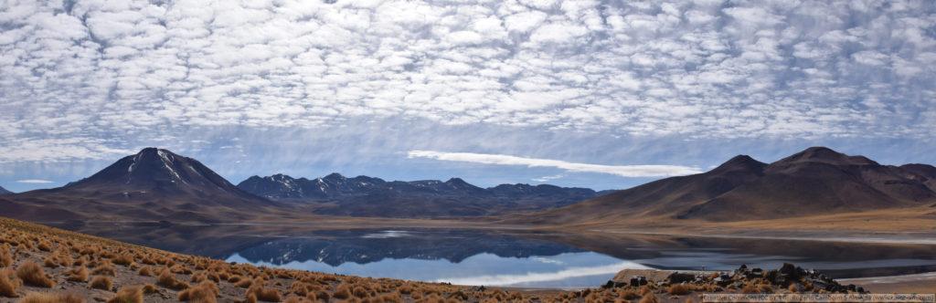 Le désert d'Atacama - panorama de la Lagune Miscanti
