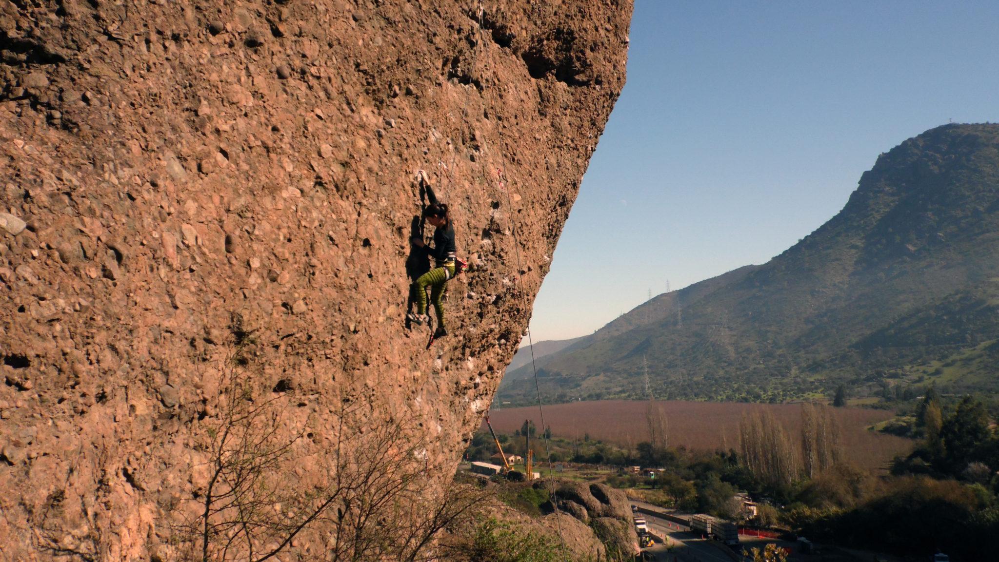 escalade au Chili grimpeur à Las Chilcas à coté de Santiago