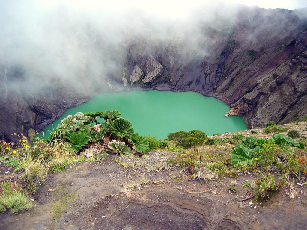 Cratère central du volcan Irazú