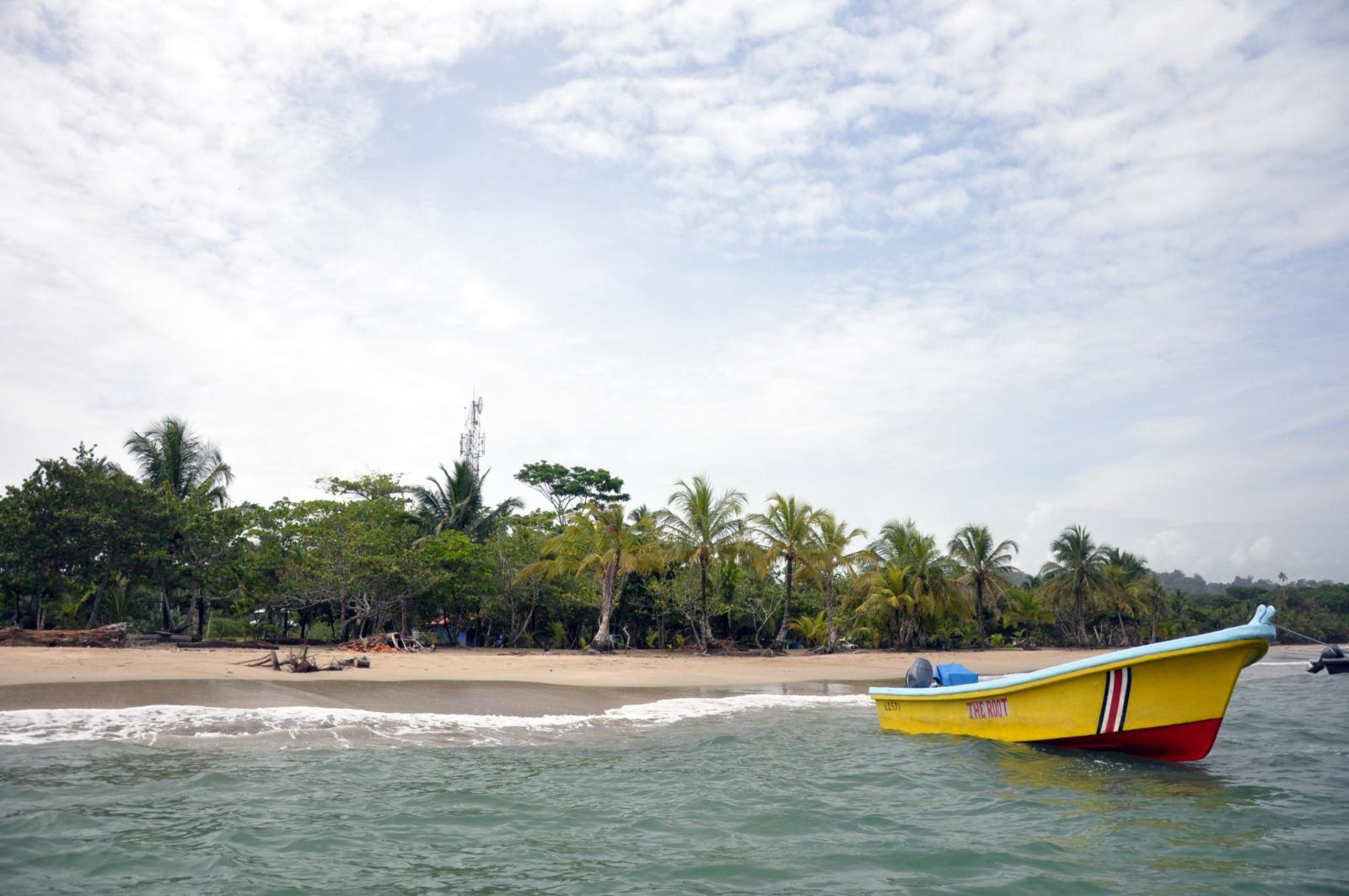 plage et bateau au Costa Rica