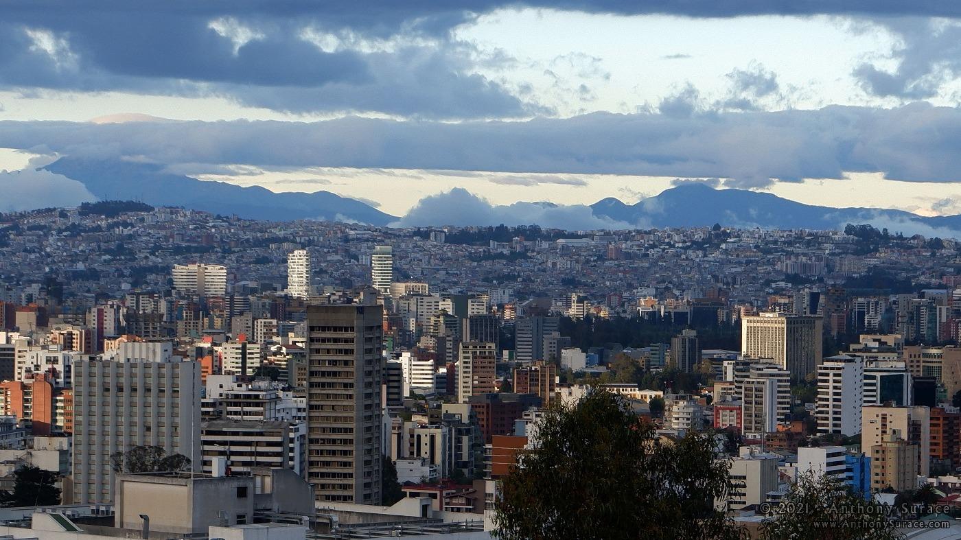 Panorama de la ville de Quito
