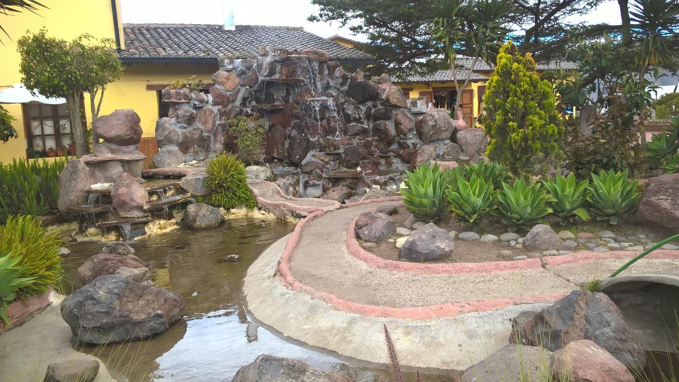 Fontaine dans le parc de la Mitad del Mundo