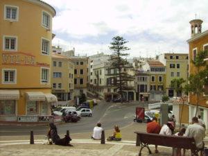 Ville de Mahon en été