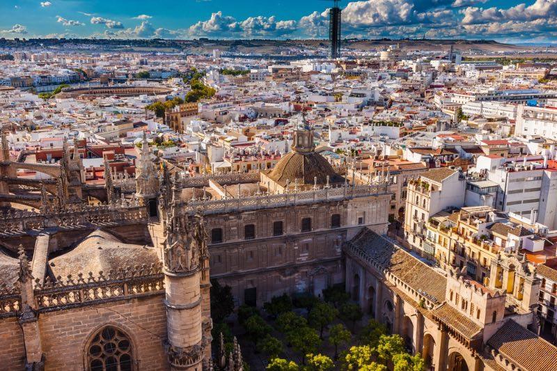 Explorer l'Andalousie : Vue de la ville depuis la tour Giralda Cathédrale de Séville