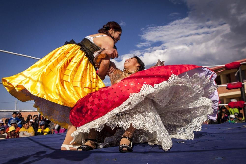 Cholitas luchadroas en combat