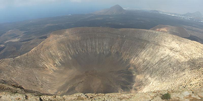 Le plus grand cratère de l'île de Lanzarote celui du volcan Caldera Blanca