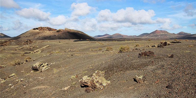 Un incontournable de l'île de Lanzarote, le volcan El Cuervo et son cratère éventré