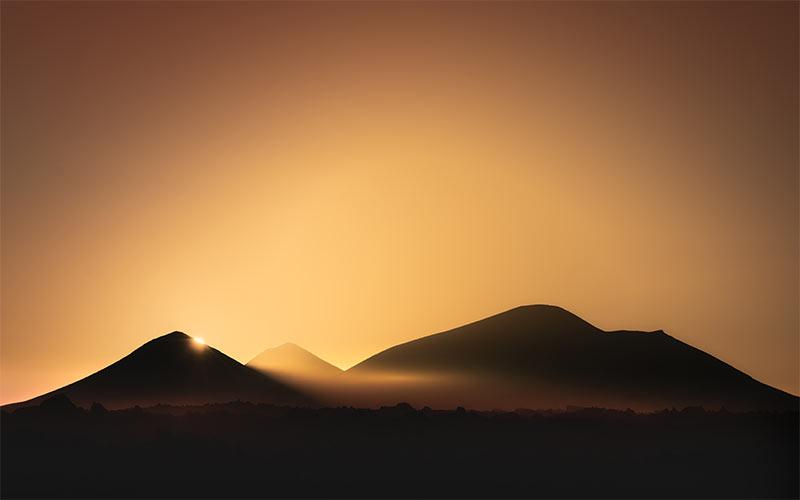 Superbe coucher de soleil sur les volcans de Lanzarote