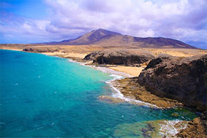 Entre mer et volcan, plage de Papagayo à Lanzarote