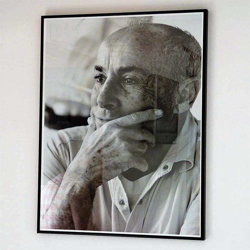 Photo portrait de César Manrique, artiste peintre et architecte, né à Lanzarote