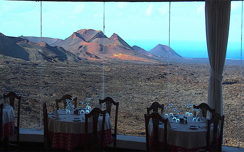 Panorama depuis le restaurant El Diablo de César Manrique dans le parc national de Timanfaya à Lanzarote