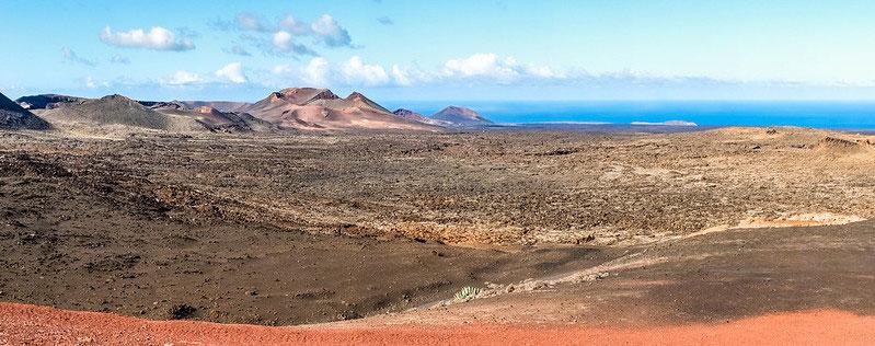 Magnifique contraste de couleurs qu'offre le parc national de Timanfaya à Lanzarote